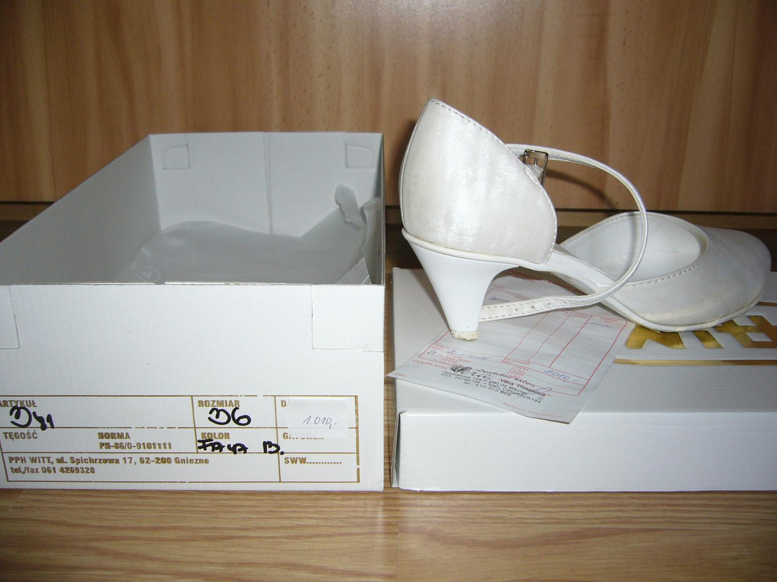 016532a6dc5 Svatební boty značky witt