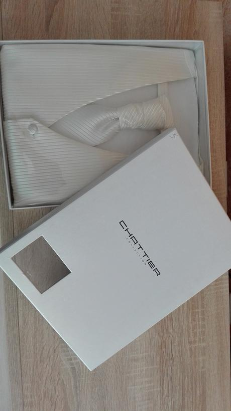 Svadobná vesta s kravatou a vreckovkou, 34