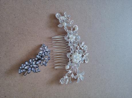 Hřebínek do vlasů s perličkami,