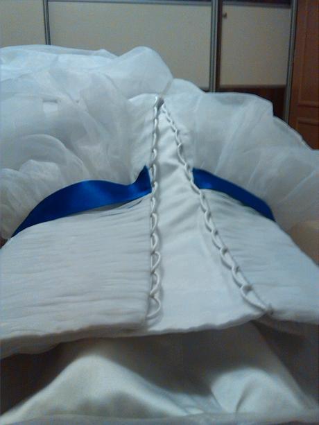 Korzetové svatební šaty s tylovou sukní, 38