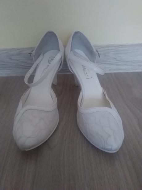 biele topanky pre nevestu, 36