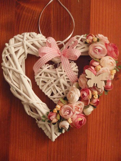 13. Vintage srdce s motýlikom,