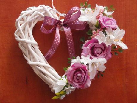 61. Srdce so staroružovými kvetmi,