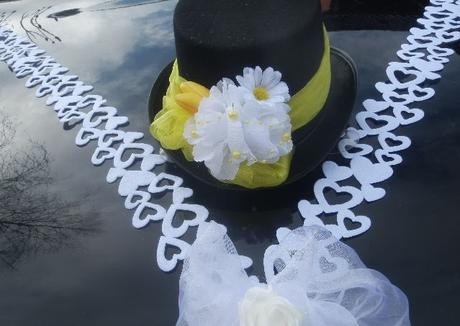 Svatební dekorace,výzdoba na auto ženicha-cylindr,