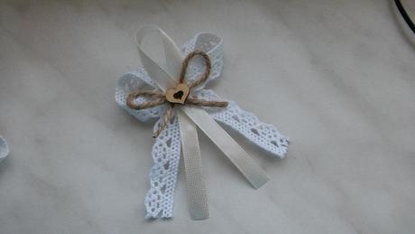 Svatební vývazek do klopy pro svatebčany,