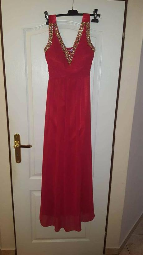 Spoločenské červené šaty, 38