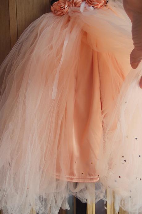 Tylové marhulkové šaty pre malú družičku, 98