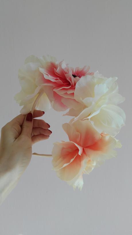 Čelenka z kvetov,