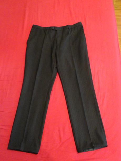 Pánský černý oblek, 54