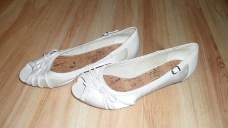 Bílé botičky na svatbu, 37