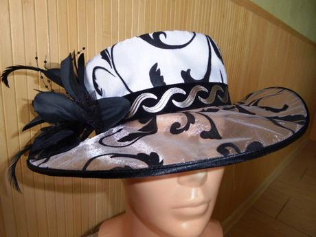 Dámsky spoločenský klobúk, 54