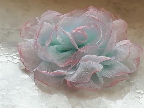 Šifónová ruža,