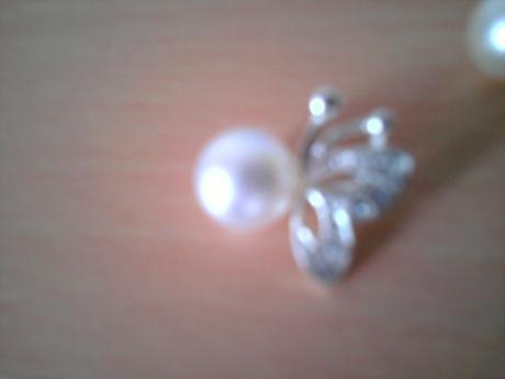 motyl s perlou,