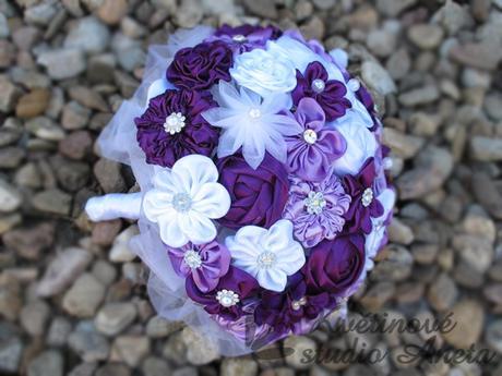 Svatební kytice saténová,