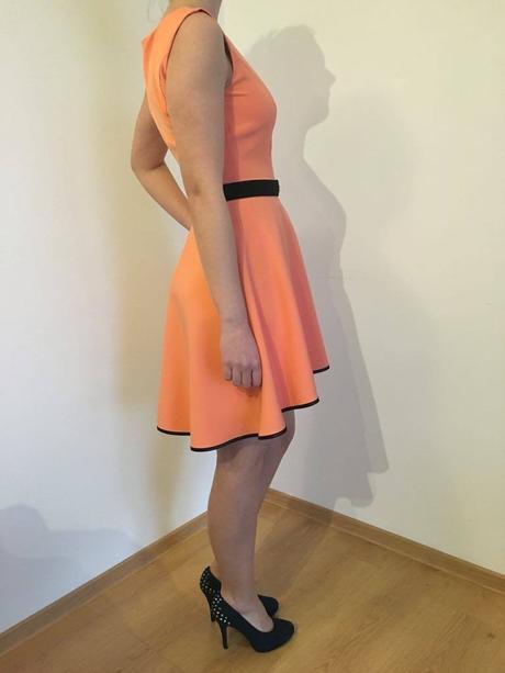 Lososové šaty , 36