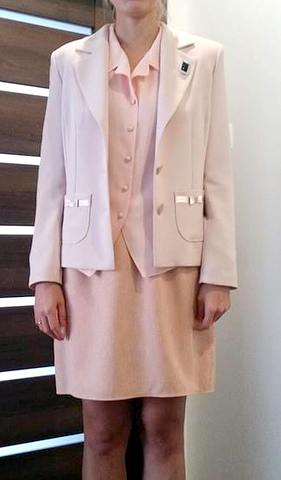 Damsky suknovy kostym ruzovy 3682e04e2c7