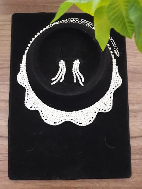 Sada-náhrdelník s naušnicemi,