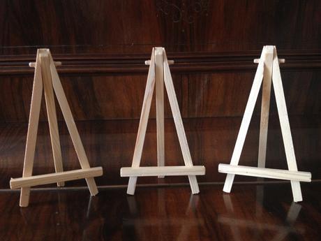 Dřevěné stojánky na fotky,