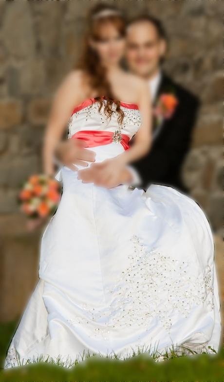 Svatební korzetové šaty, 38