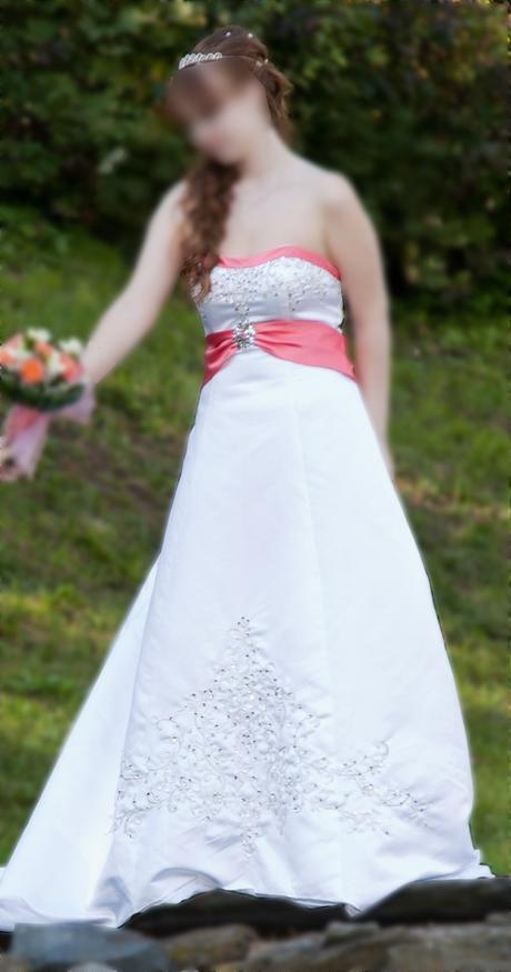 Svatební korzetové šaty, 40