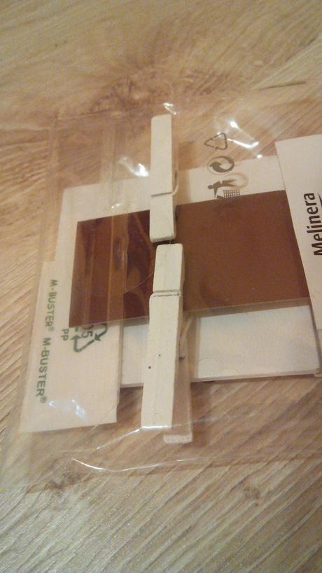 4 KS dřevěných cedulek s kolíčkem,