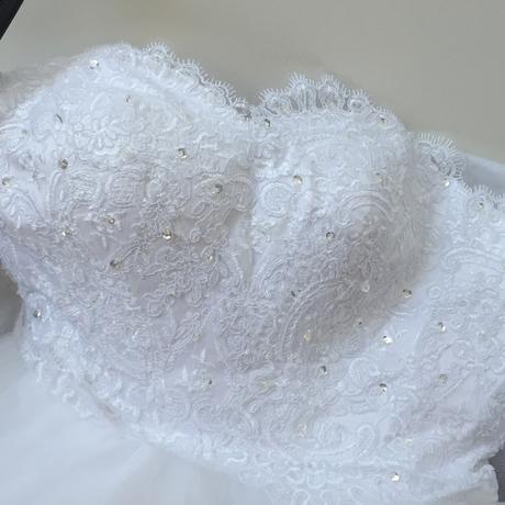 Princeznovský strih šiat - veľkosť 38, 38