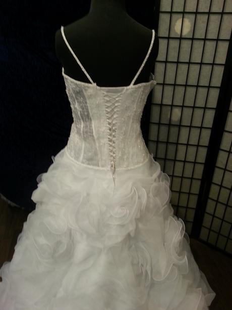svatební šaty eddy k , 40