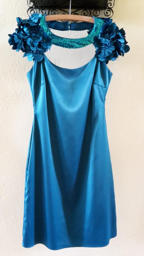 Saténové spoločenské šaty, 38