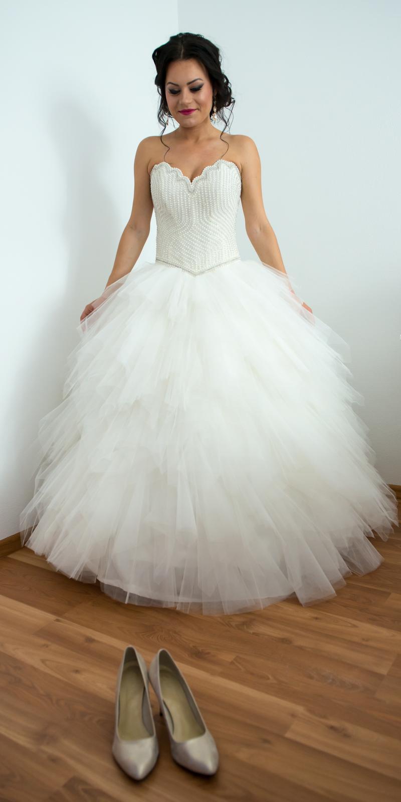 0d05605cfd79 Éterické korzetové svadobné šaty 36-38