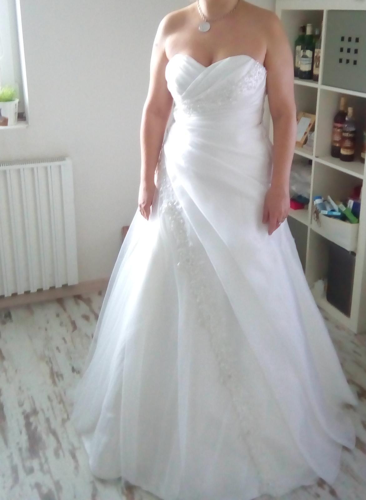 309b46a49f6 Svatební šaty velikost 38-42