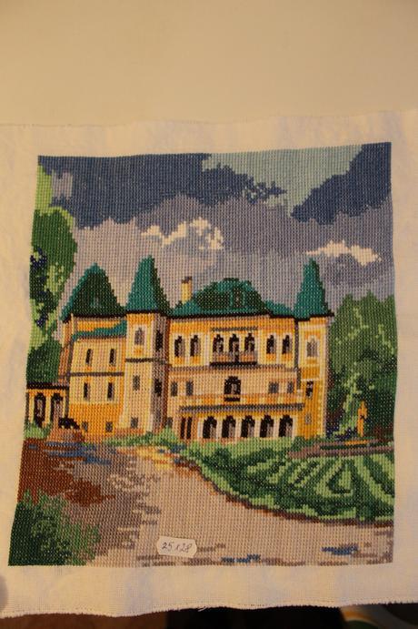 Rucne vysivany obraz hradu - lacno,