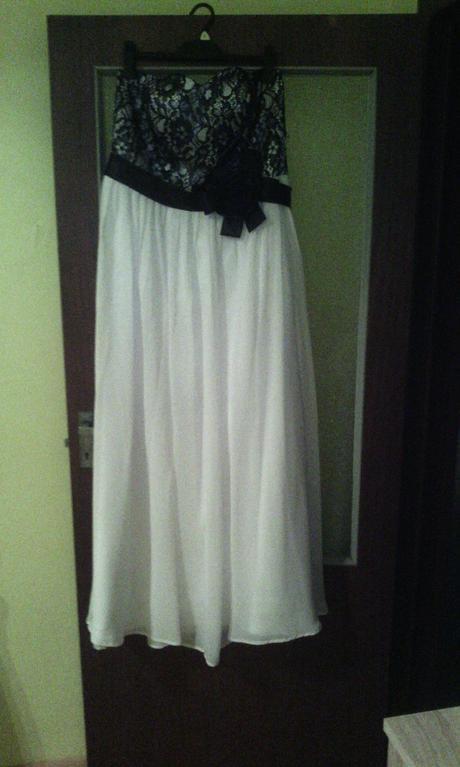 Spoločenské /popolnočné šaty, 46