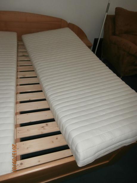 Nepoužívaná posteľ CELOMasív Buk 160x200,