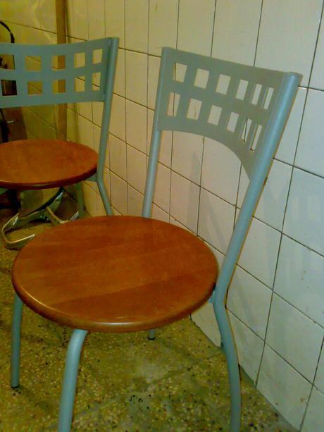 stolička kov+drevo masív,