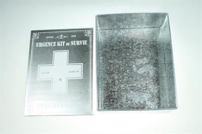 Kovová skrinka na lieky,