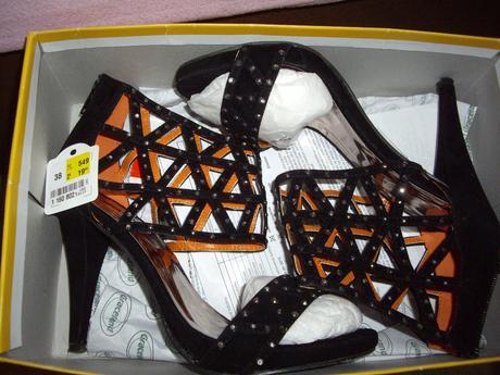 Vybijane sandalky 1x obute - Deichmann, 38