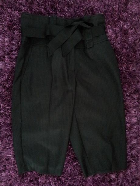 Trojstvrtove nohavice, 38