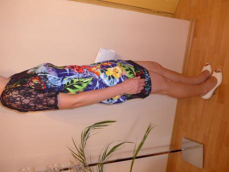 Krátké společenské šaty, 38