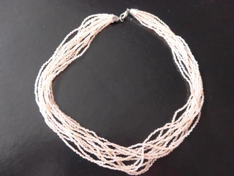 Lososový rokajlový náhrdelník,