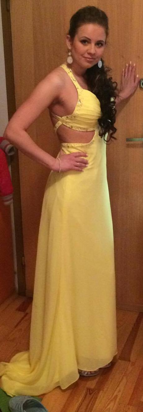 Žlté  spoločenske šaty, 36