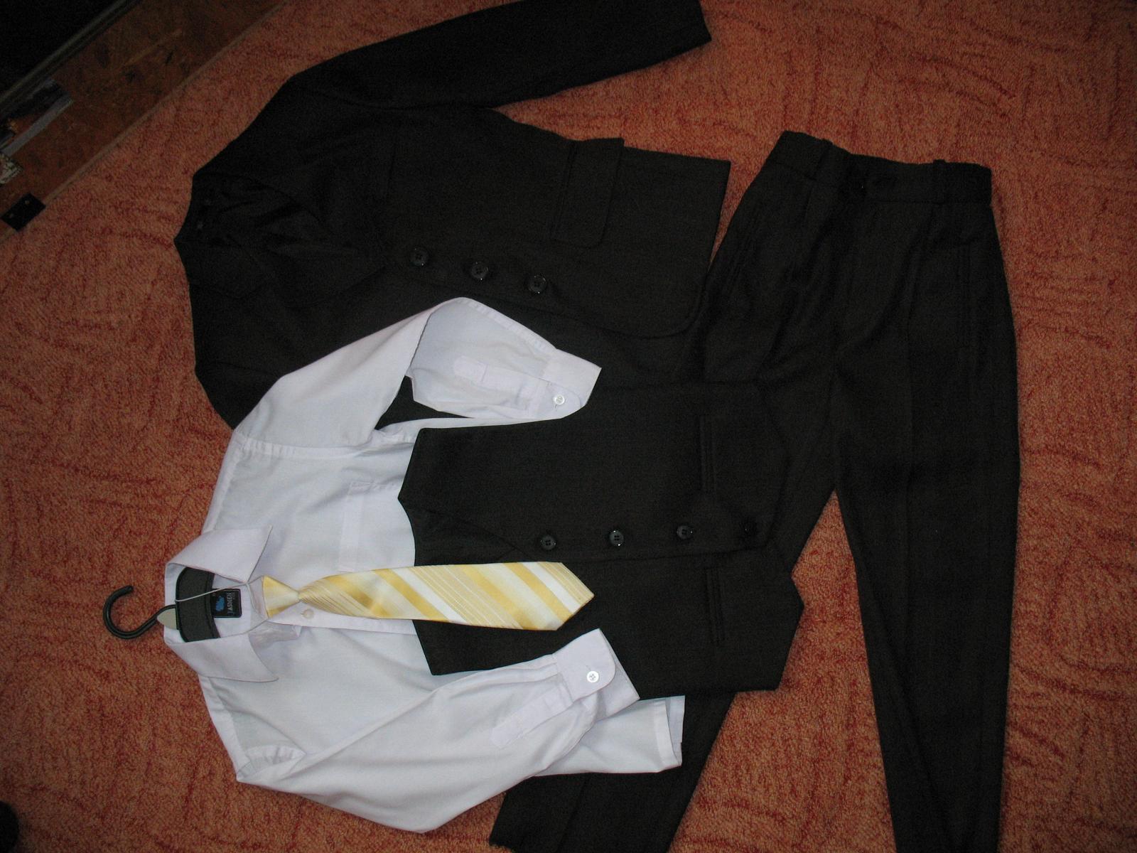 Chlapecký oblek vel. 122 31dcab973b