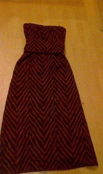 Zajímavé plesové šaty, 36