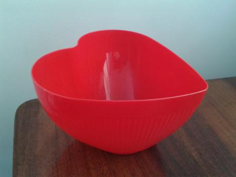 Červená nádoba,