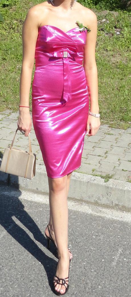 Krátke cyklamenové šaty na postavu - veľ. S-M, 36