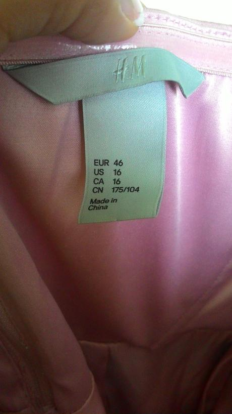 Satenove růžové šaty, 46