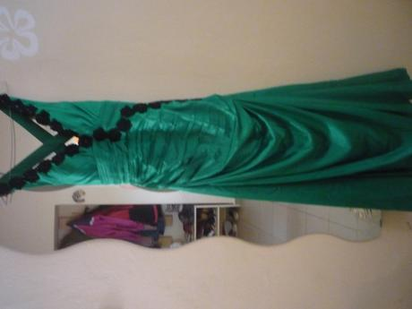 Spoločenské šaty zelenej farby , 42