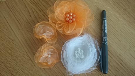 Srdíčka, květiny - lososova, oranžová,