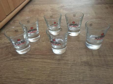 poháre na alkohol,