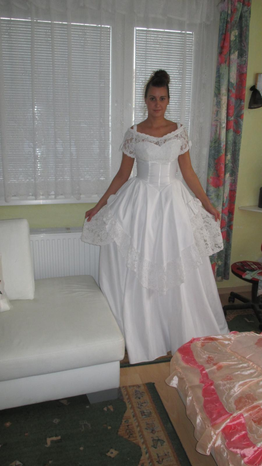 d31c69bb7e7a Nadherné holandske lacné svadobné šaty
