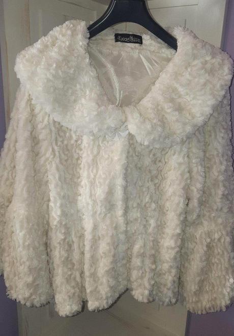 Slávnostný kabátik, 36